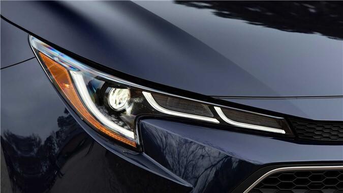 2020-toyota-corolla-sedan-danh-gia-7.jpg