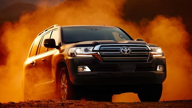 """Đánh giá Toyota Land Cruiser V8 5.7 lít nhập Mỹ : Chỉ một chữ """"TUYỆT"""""""