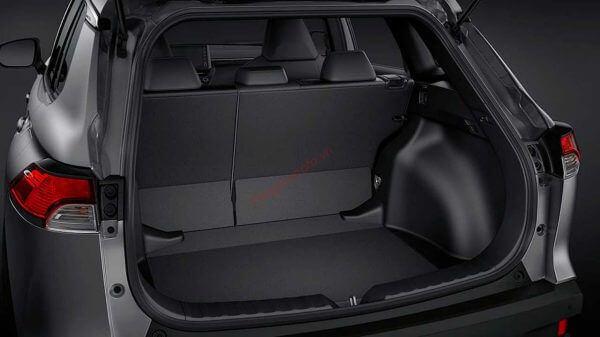 Khoang chứa đồ rộng rãi trên Corolla Cross 2021